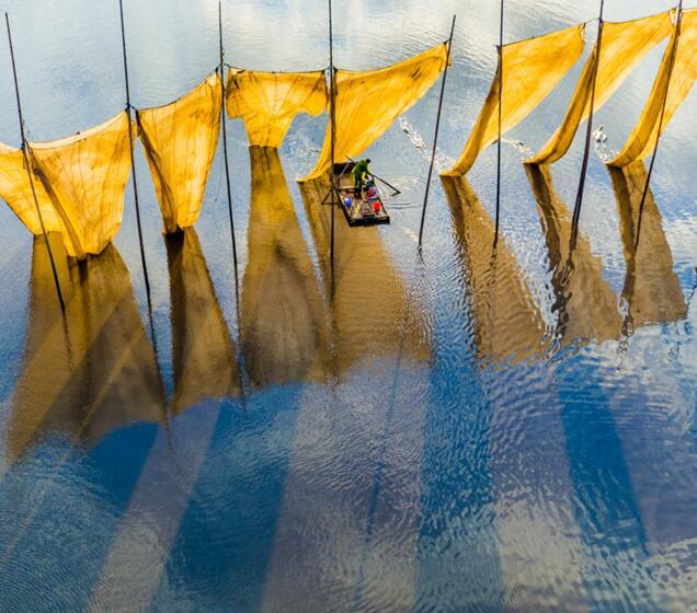 天空之城2016年度最佳照片《渔夫收网》